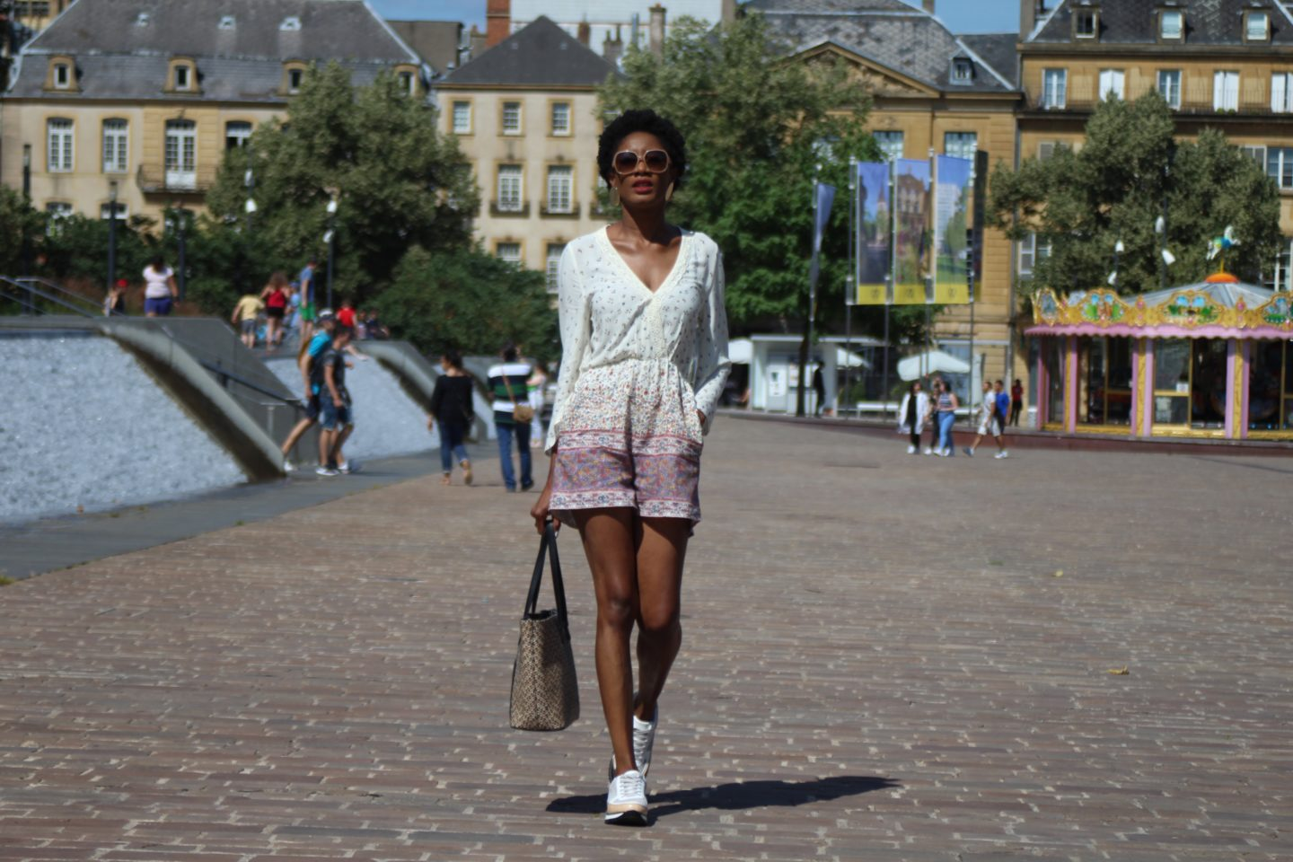 PLAYSUIT AND SNEAKERS