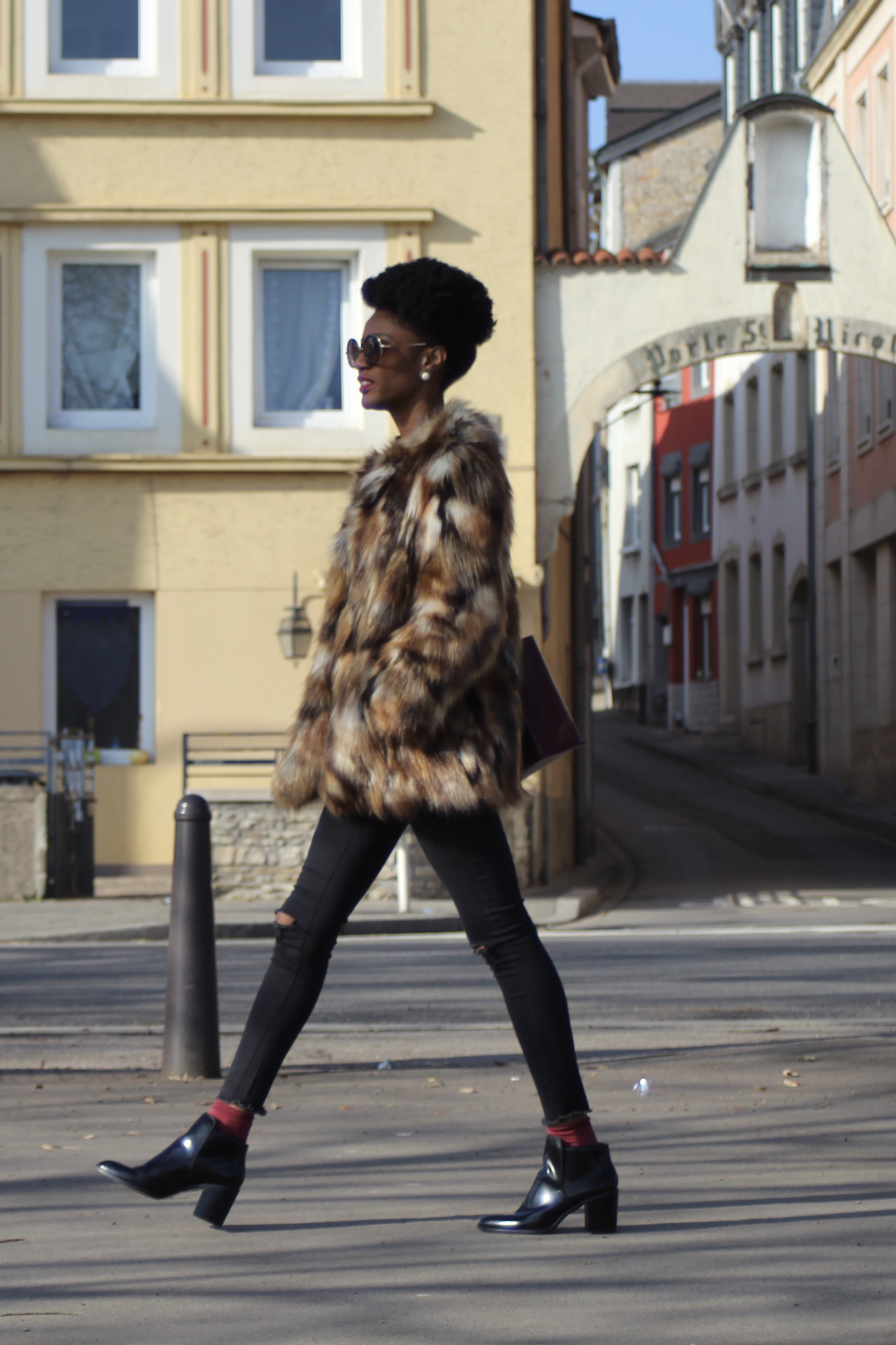 stylish faux fur outfit