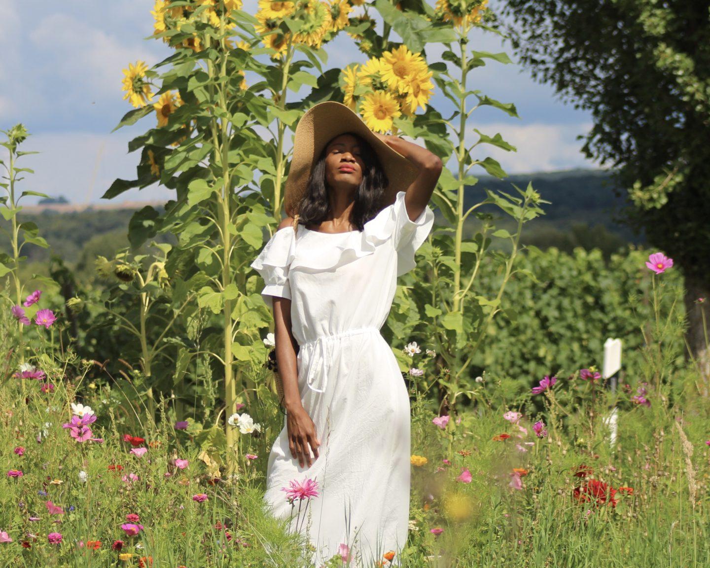 WHITE SUMMER DRESS FEATURING ZAN.STYLE